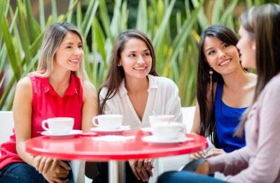 fjbs_women_having_coffee